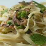 Fettuccine with peas and pancetta