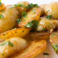 Roasted potatoes with smoky and garlicky aioli